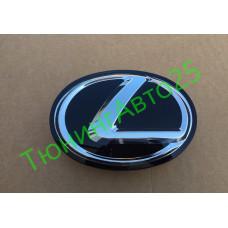 Эмблема на решетку на Lexus